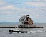 th_lobster_boat_breakwater